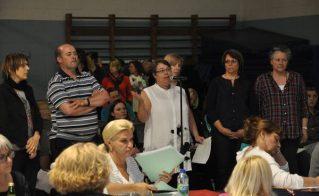 Des membres du CREP étaient présents au Conseil des commissaires le 20 mai dernier pour obtenir des réponses sur les conséquences de la fermeture du centre.