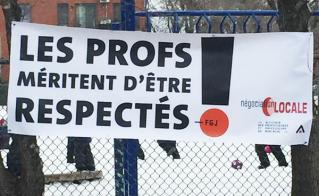 La banderole de l'école Armand-Lavergne tient toujours.