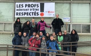 L'équipe-école de Louise-Trichet a bien installé sa banderole.