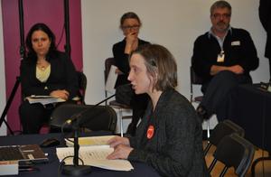 Les pétitions de 140 écoles et centres recueillant 4100 signatures ont été déposées au Conseil des commissaires.