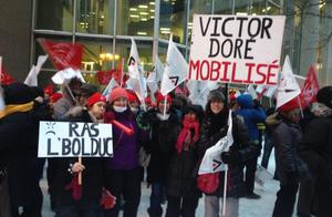 Les collègues de Victor-Doré avaient des pancartes prémonitoires.