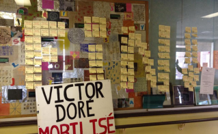 Les post-its tiennent le coup à l'école Victor-Doré.