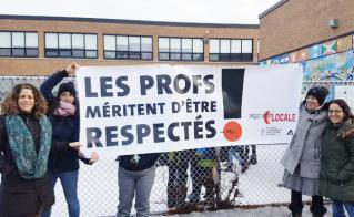 Certaines directions arrachent les banderoles des clôtures de cours d'école. Oseront-elles les arracher des mains des profs?