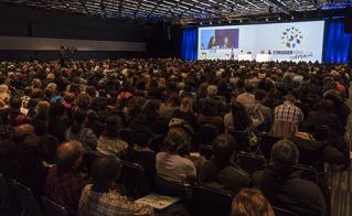 Plus de 2000 membres de l'Alliance ont assisté à l'ouverture du 22e colloque.  © JFL