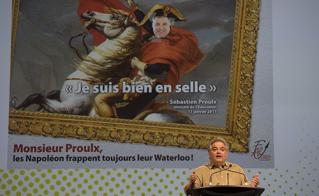 Le président de la FAE, Sylvain Malette, est venu saluer les membres de l'Alliance en revenant de Waterloo.  © JFL
