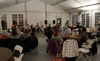 La soirée culturelle a été appréciée de la part des militantes et militants inscrits au camp. © Sophie-Geneviève Bournival