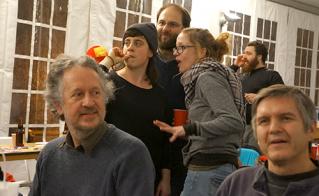 Jean-Luc Arseneau, de l'école Joseph-François-Perrault, et Benoit Bergeron, de l'école Louise-Trichet, étaient présents au camp dans la soirée de mercredi. © Sophie-Geneviève Bournival