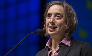 Catherine Renaud, une présidente ravie de recevoir tout son monde. © Jean-F. Leblanc - Agence Stock Photo