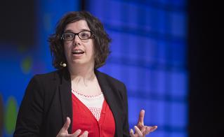 Marianne Di Croce inquiète de la formation utilitaire au détriment de l'instruction. © Jean-F. Leblanc - Agence Stock Photo