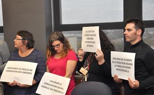 Les membres du CAM ont affiché haut et gros les principales demandes syndicales.
