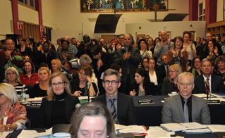 À la fin de sa présentation, les membres ont applaudi la présidente durant 2 minutes en scandant « So-So-So… Solidarité ». (Photos: Yves Parenteau)